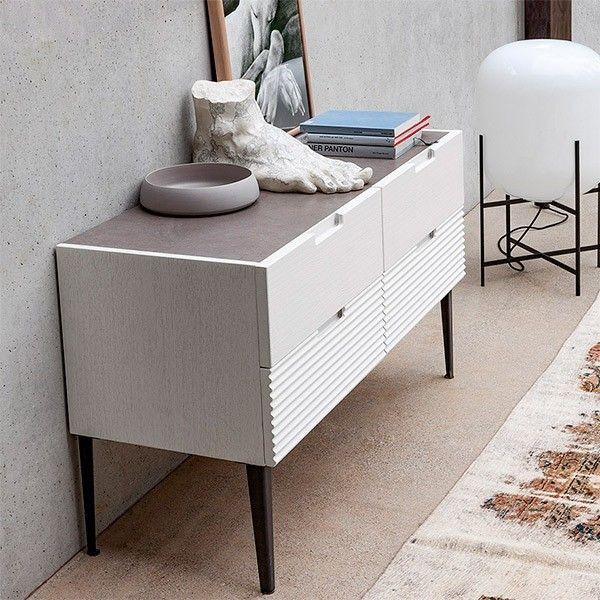 Cómoda Zero.16 modelo de 4 cajones de la firma italiana Devina Nais